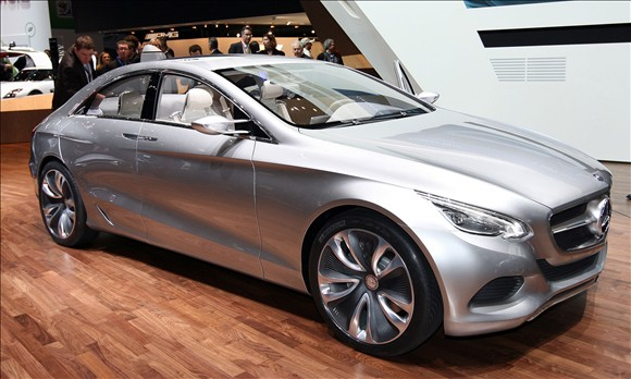 Top 10 cars at the geneva motor show 4 wheels and more for Mercedes benz f800